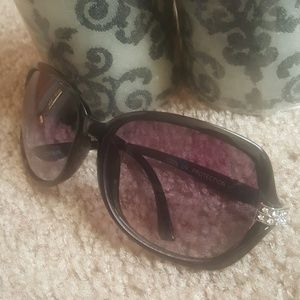 "Accessories - ""Rhinestone"" Round Sunglasses"